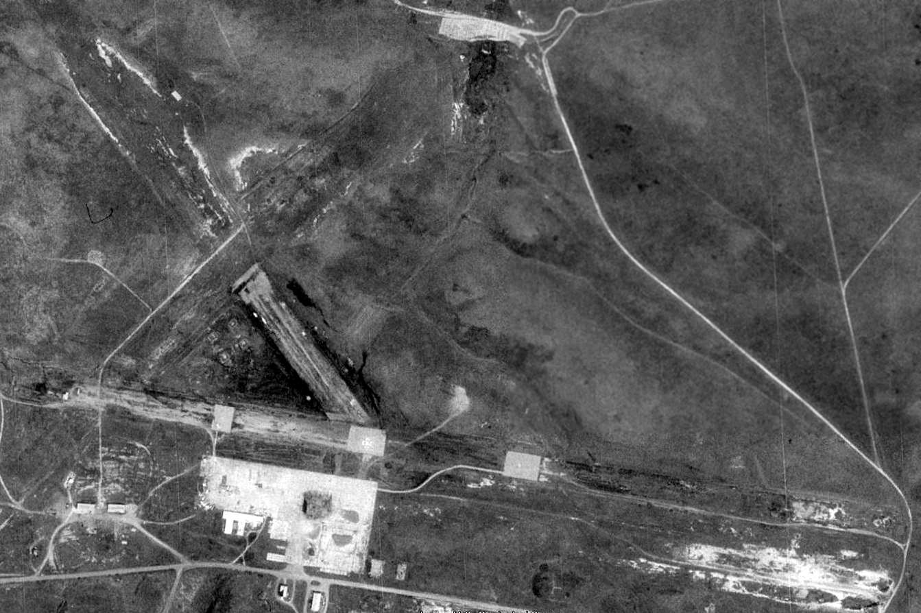 As Seen In The 1994 Usgs Aerial Photo The Remains Of The Original San Clemente Naas Consisted Of 3 Paved Runways The Longest Is 5 200 And A Concrete