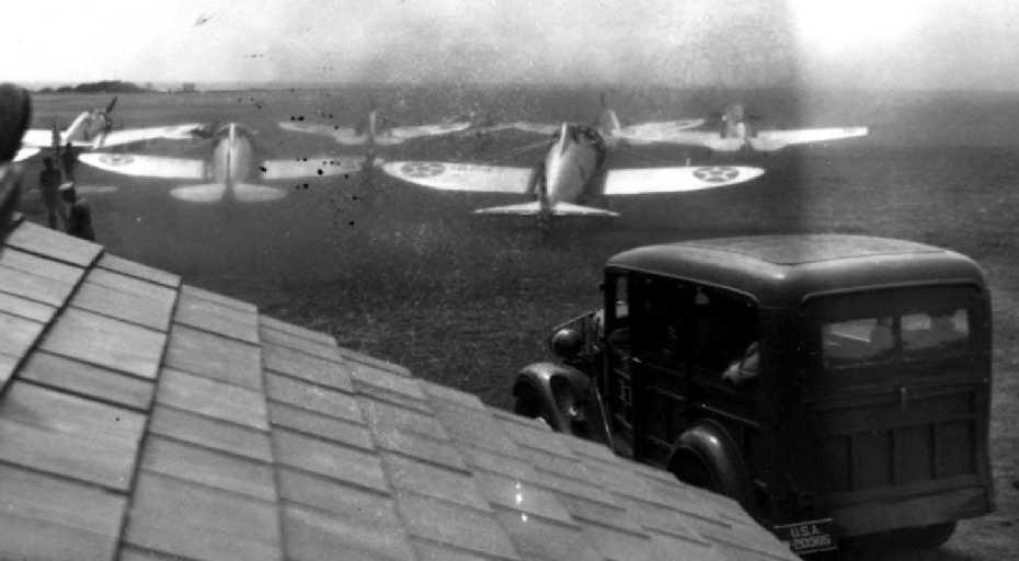 http://www.airfields-freeman.com/HI/Morse_HI_40-41_P-26s.jpg