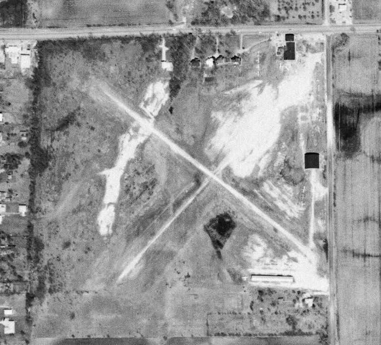 Abandoned & Little-Known Airfields: Illinois: Western