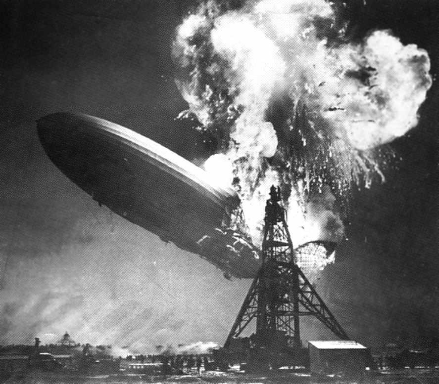 Lakehurst_NJ_37May6_Hindenburg_burning.jpg