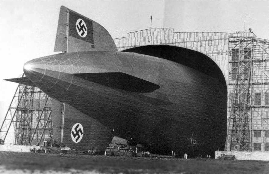 Lakehurst_NJ_Hindenburg_Hangar1_36.jpg