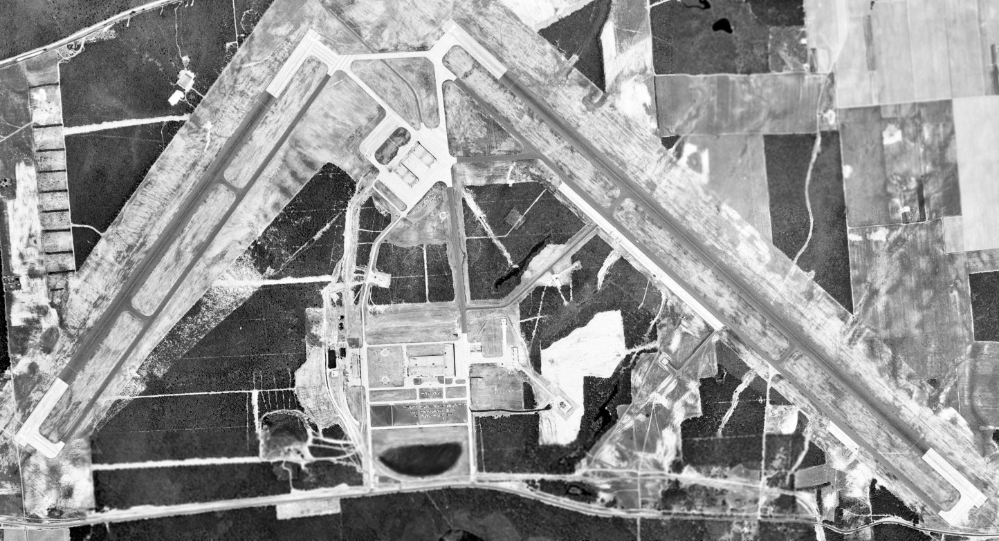 Abandoned & Little-Known Airfields: New York, Eastern