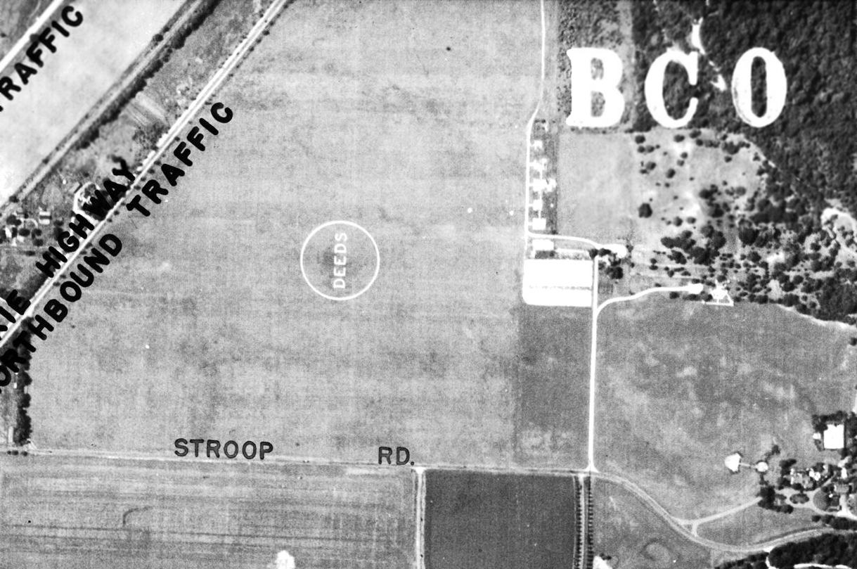 Abandoned Little Known Airfields Southwestern Ohio 1972 Amc Javelin Wiring Diagram A 6 29 39 Aerial View Showed The Deeds Airfield Remaining Intact Including Lettering Inside Airport Circle Marking