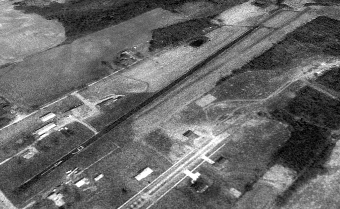 Abandoned Little Known Airfields Southwestern Ohio 1972 Amc Javelin Wiring Diagram A 1994 Usgs Aerial View Looking Northeast Depicted Brownies As Having Single Asphalt Runway 9 27 With Very Closely Aligned Grass To The South